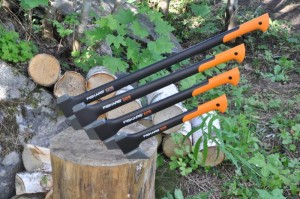 fiskars-splitting-axes-alt1